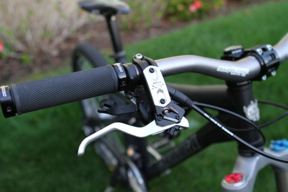 Shimano XT brakes. Sunline V-One bars.